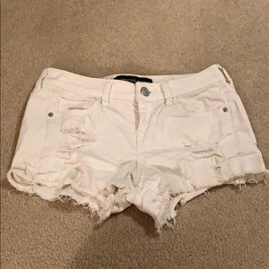 Express low rise white denim jean shorts, size 00